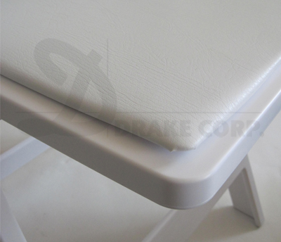 Chateau white / seat detail