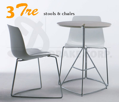 TRE3 chairs & table