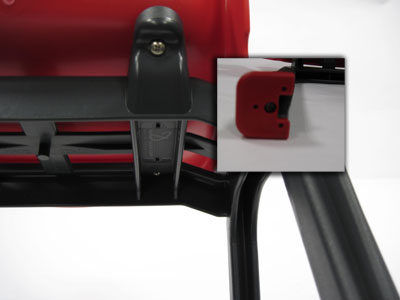 D130 Children Seat Detail red
